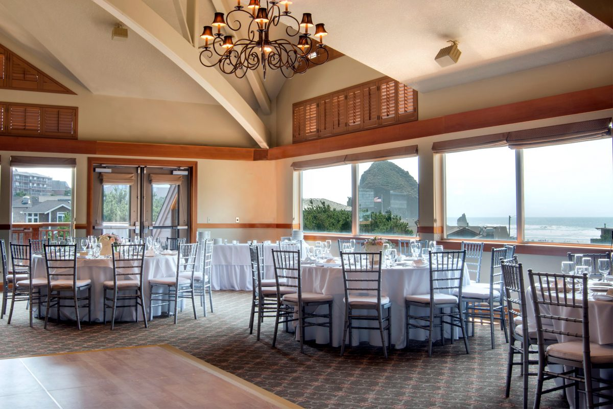 Wedding in Surfsand Oceanview Ballroom