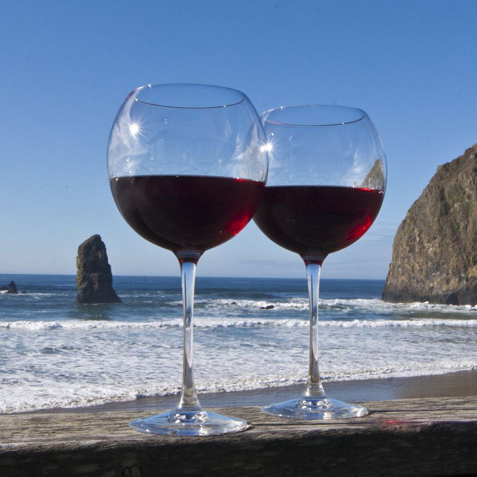 Are you going to the Savor Cannon Beach Wine Walk? Surfsand is delighted to host Treos and J. Scott Cellars, plus have @owenroewinery pouring at The Wayfarer next door! Get your ticket by checking the link in our bio. #wine #OwenRoe #Surfsand #SavorCannonBeach