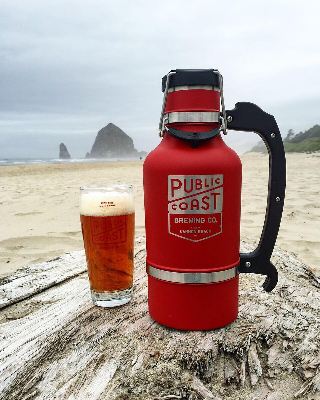 """We love your motto, @publiccoastbrewing. """"Beaches forever. Beer for everyone."""" #PublicCoast #NWBeer #OregonBeer #DrinkLocal #BrewWithAView #CannonBeach #UpperLeftUSA"""